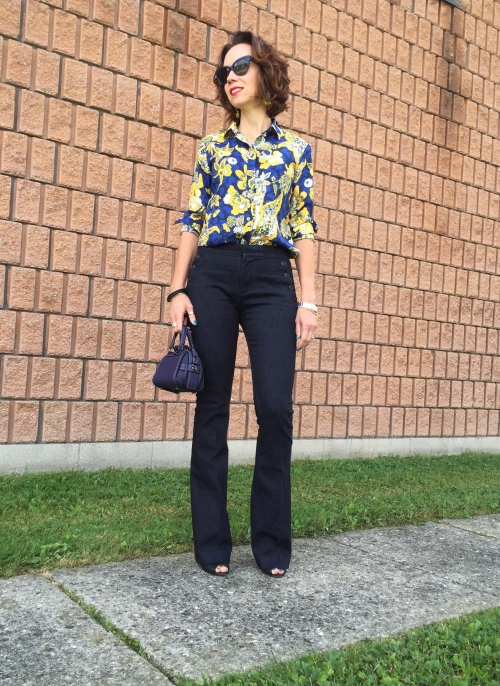 amydressed-flare-jeans-printed-blouse